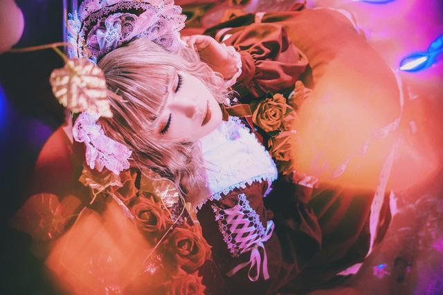 lolita写真 人形夜